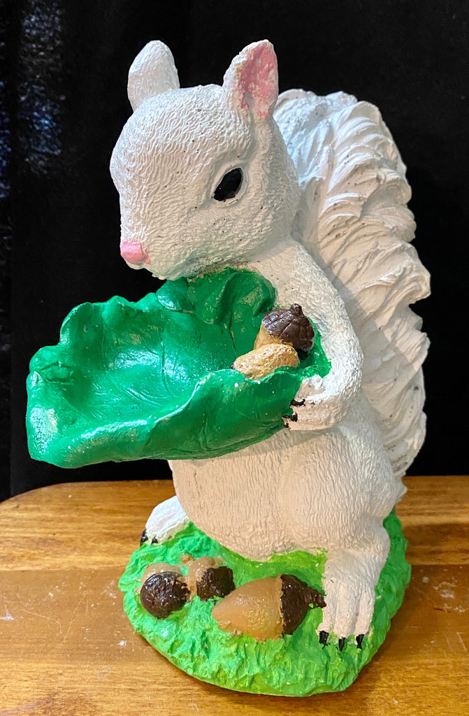 Garden Statuary - Concrete White Squirrel Holding a Leaf