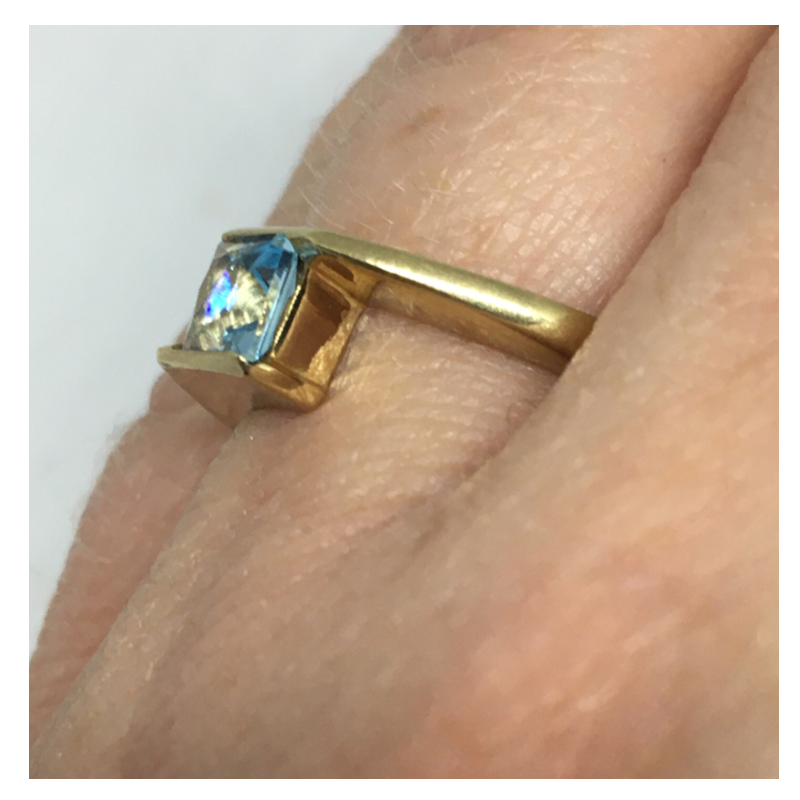 9ct Gold Ring with Aqua Stone