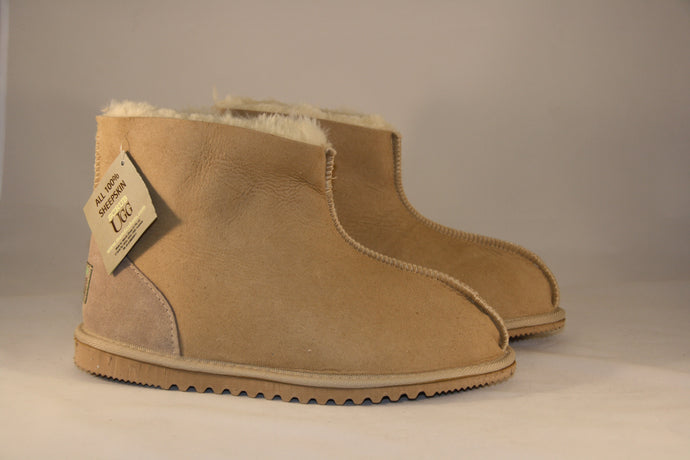 SCRUB UGG classic ankle boot; wide fit with ankle support.  Colour Natural. Unisex sizes