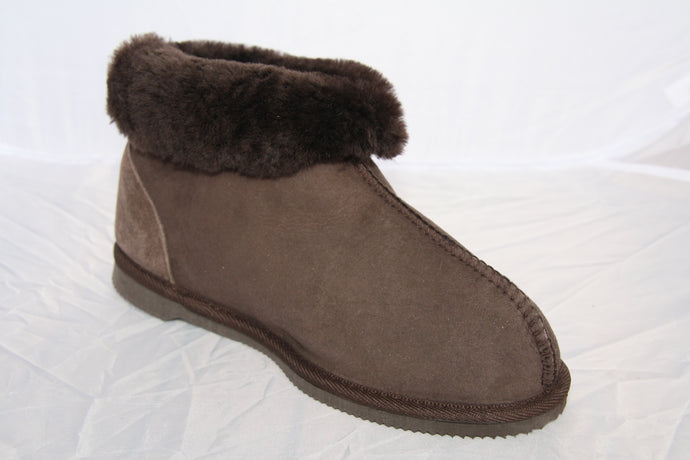 Snug. Classic UGG Boot with ankle support. Limited Edition Colour Chocolate Brown - ON SALE