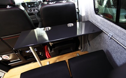 VW T5 day van table up