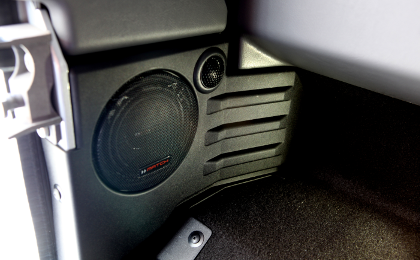 Custom Fit MS42C Componeont 10cm speakers by Audiotech Fischer in Landrover Defender