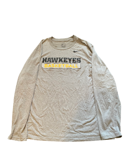 Luka Garza Iowa Basketball Team Issued Long Sleeve Workout Shirt (Size XL)