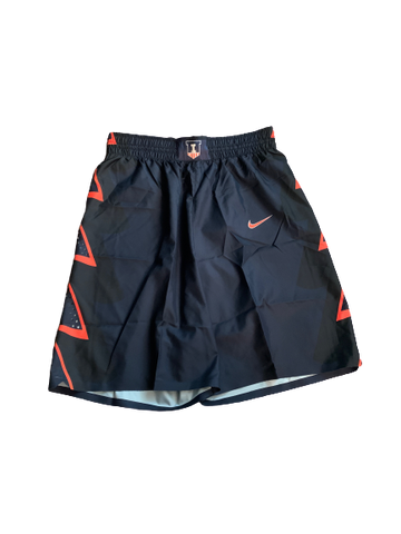 Michael Finke Illinois Basketball 2016-2017 Game Worn Shorts (Size M)