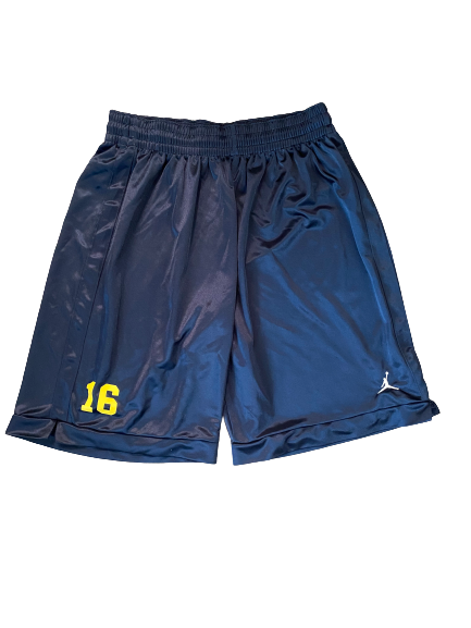 #16 Michigan Football Team Exclusive Shorts (Size L)