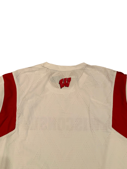 Nate Reuvers Wisconsin Basketball Team Exclusive Pre-Game Warm-Up Shirt (Size XXL)