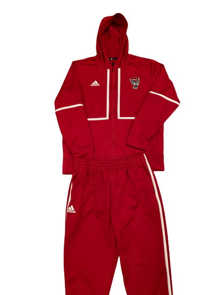 Devon Daniels NC State Basketball Player Exclusive Sweatsuit (Size XL)
