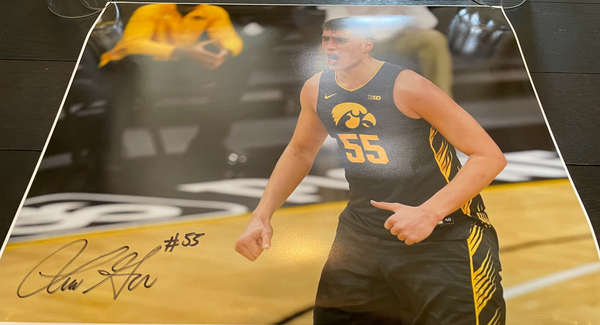 Luka Garza Iowa Basketball Autographed 16x20 Photo (1 of 3)