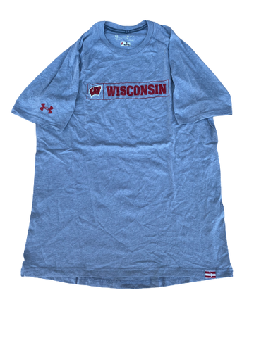 Cristian Volpentesta Wisconsin Football Team Issued Workout Shirt (Size M)