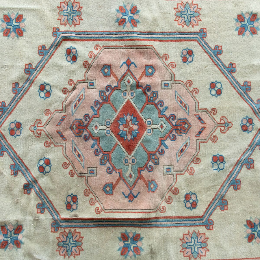 Furbish Studio - Piper Vintage Rug closeup of center design, weave and colors