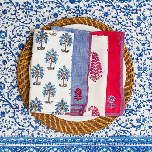 Picnic at the Palazzo Table Linen Set