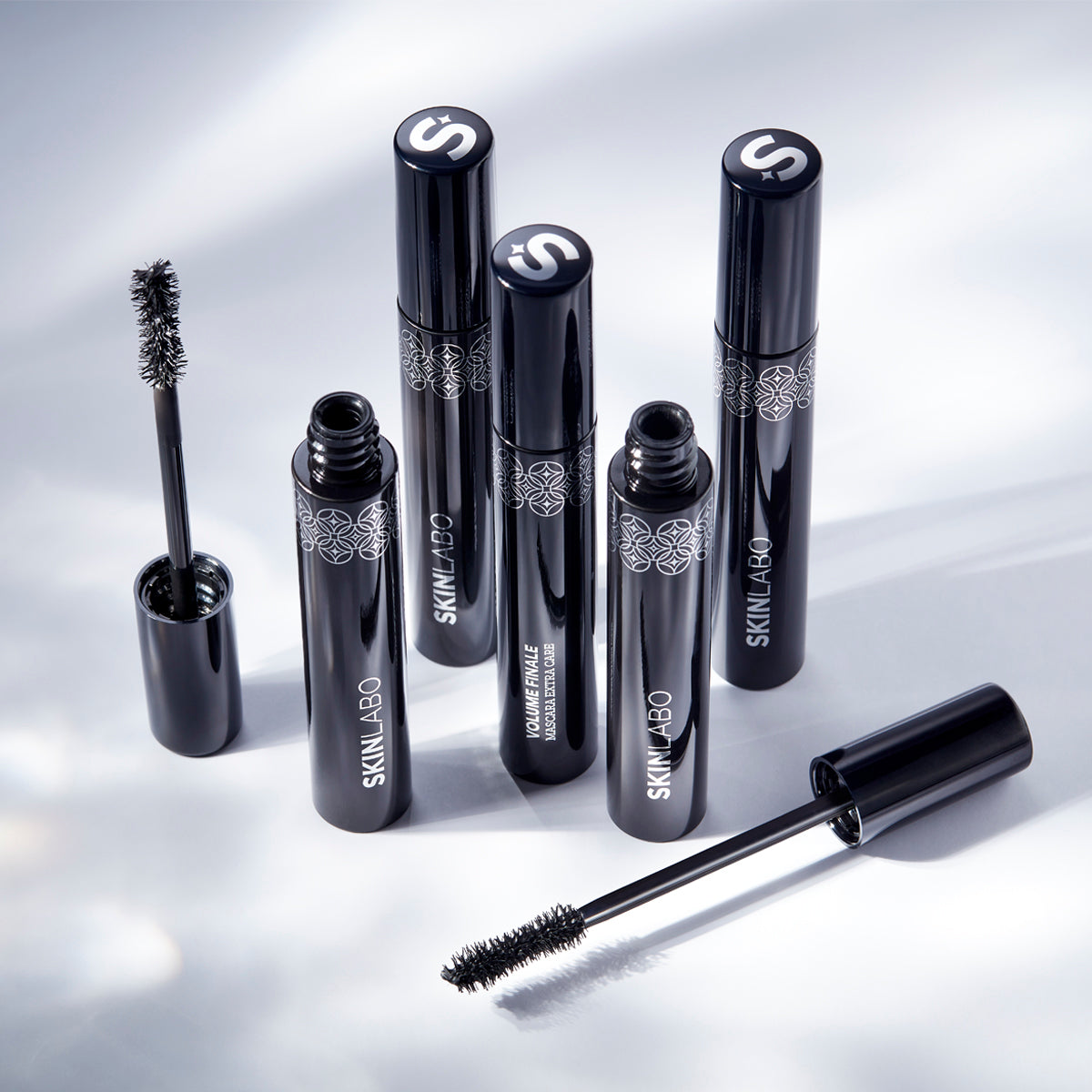 VOLUME FINALE MASCARA EXTRA CARE