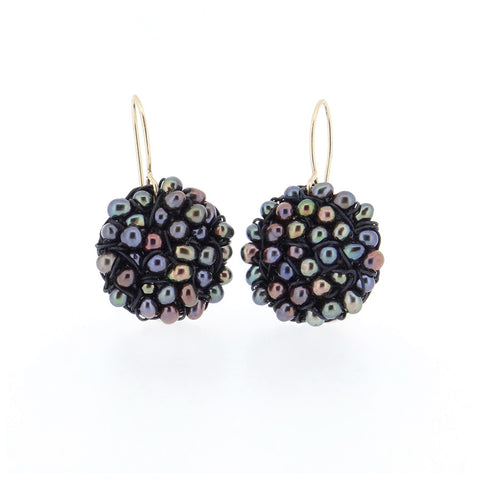 DISC.earrings:  PEARLS.medium