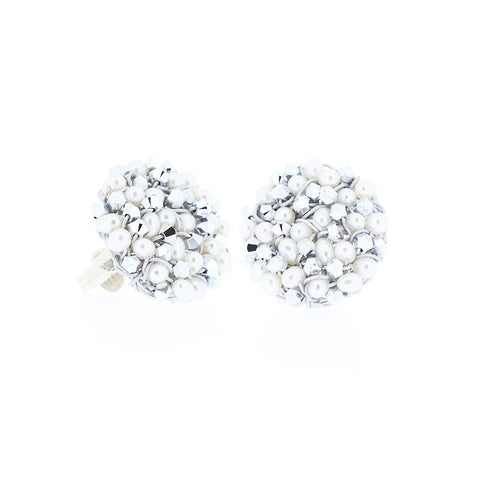 DISC.earrings:  PEARLS.medium: CLIP