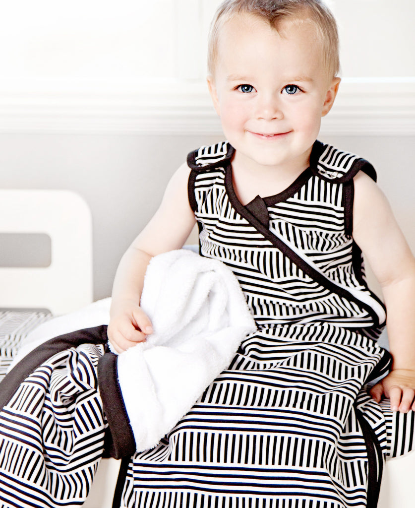 Black + White Sleep Sack (Fits Ages 3 to 24 Months)
