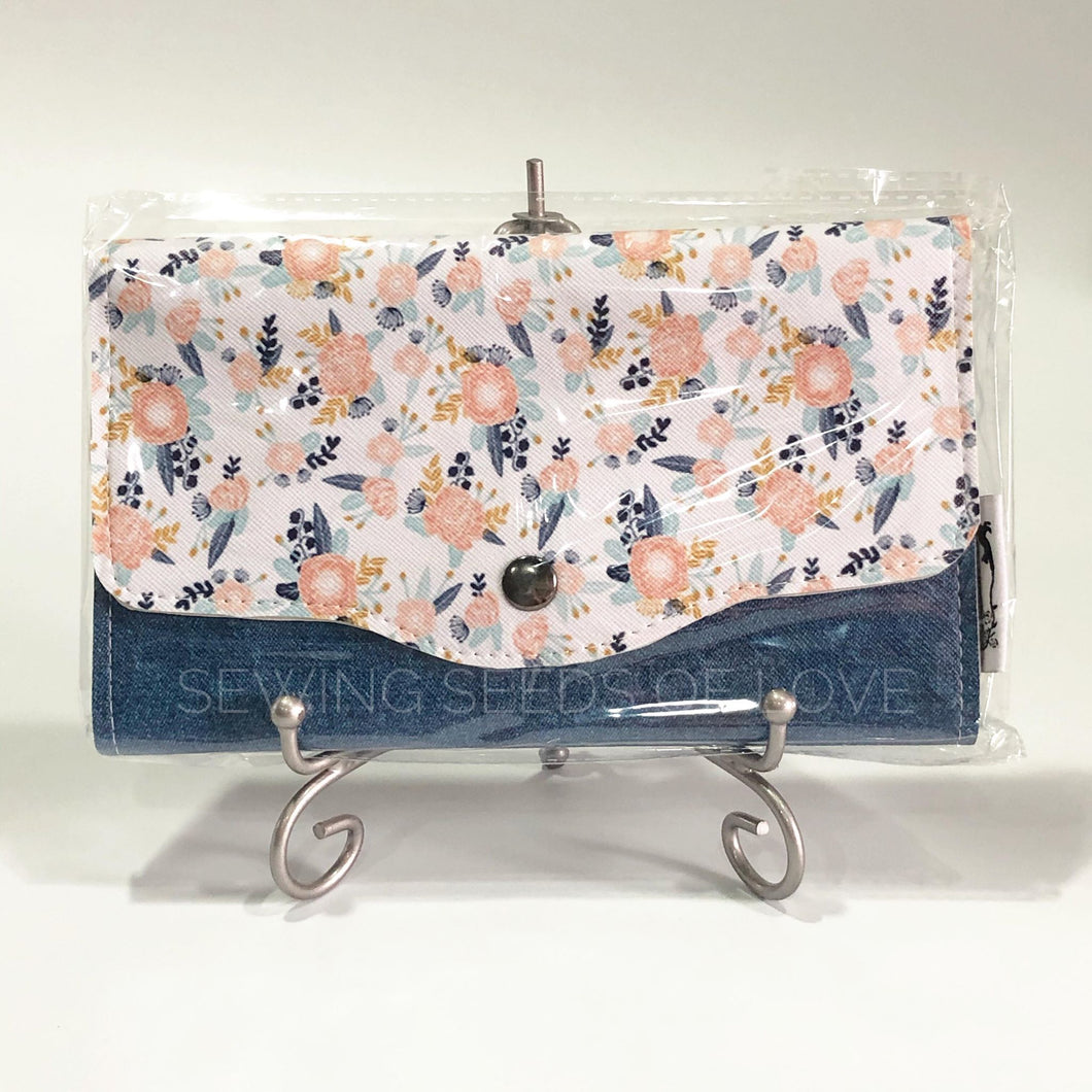 Vinyl Angbao Clutch - Petite Coral Roses