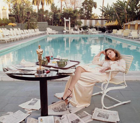 Faye Dunaway after winning Oscar by the pool