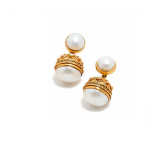Load image into Gallery viewer, Medici statement earring