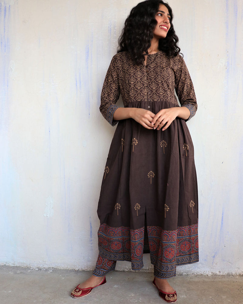 Brown Handprinted Pure Cotton Kurti Set of 2