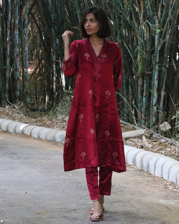 MARRON BLACKPRINTED MASHRU KURTI SET OF 2