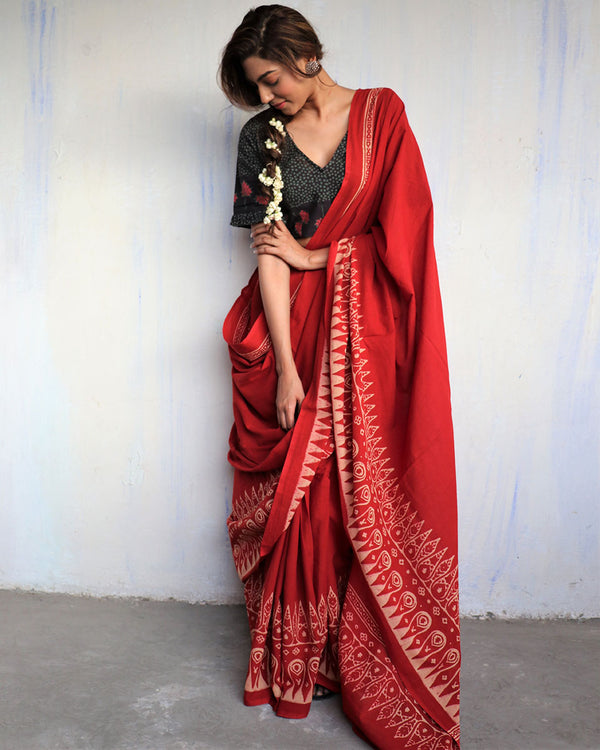 Red blockprinted cotton mul saree - GOD