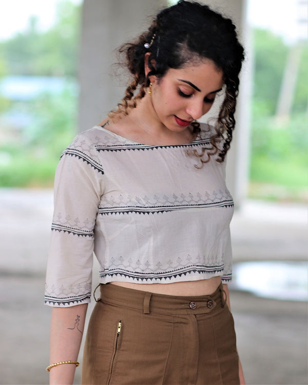 IVORY BLACK BLOCK PRINTED CROP TOP BLOUSE