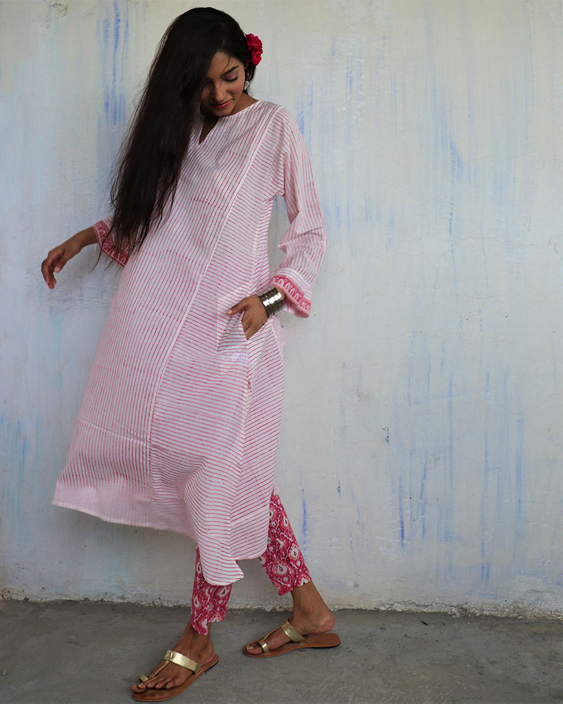 IVORY PINK STRIPE HANDPRINTED COTTON KURTI - MUGHAL