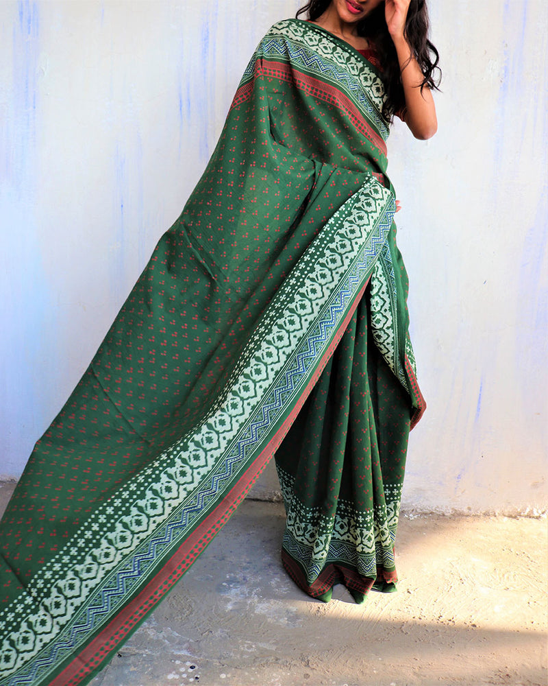 Green Block Printed Cotton Mulmul Saree-ButterflyGirls