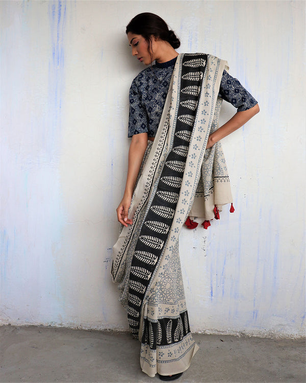 Ivory Black Border Block Printed Cotton Mul Saree - God