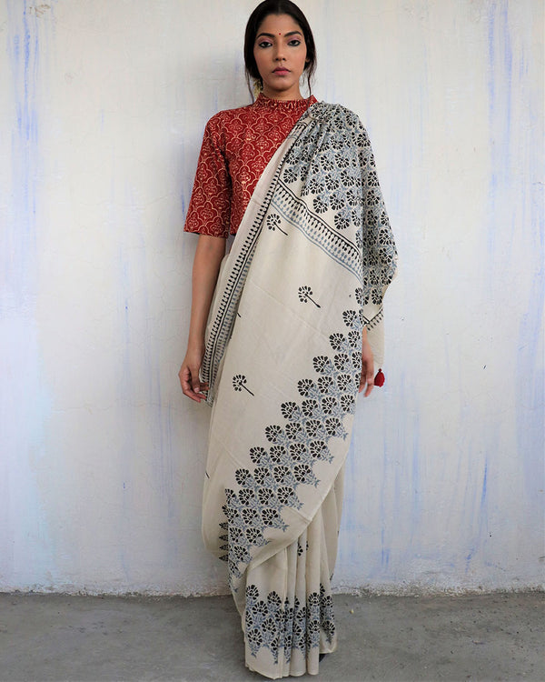 Ivory Grey Block Printed Cotton Mul Saree - God