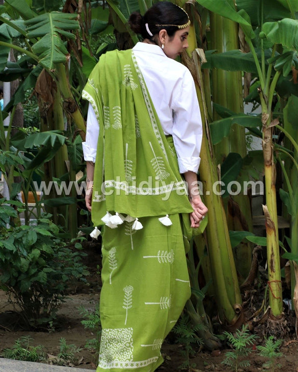 Green booti blockprinted cotton mul saree