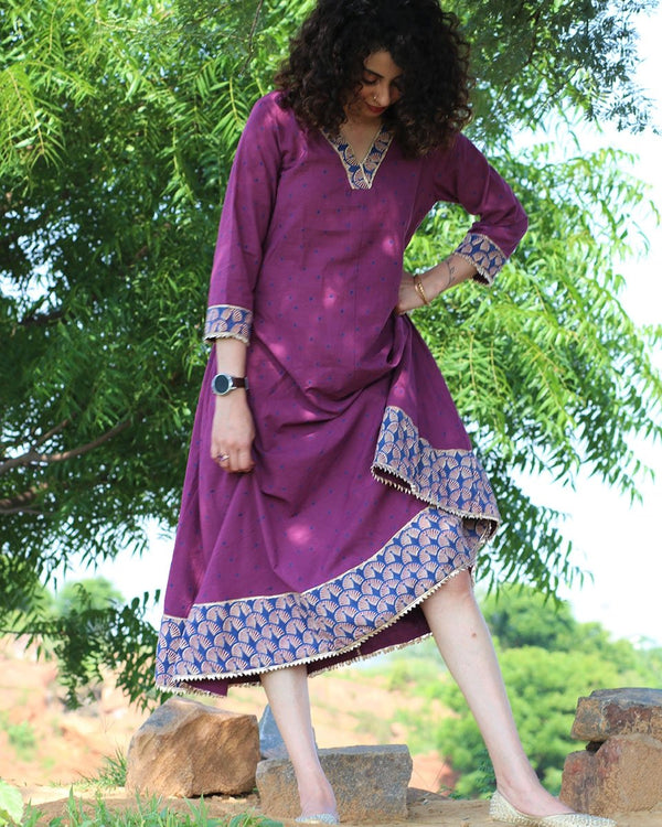 MAUVE HANDPRINTED DRESS WITH GOTA DETAILS
