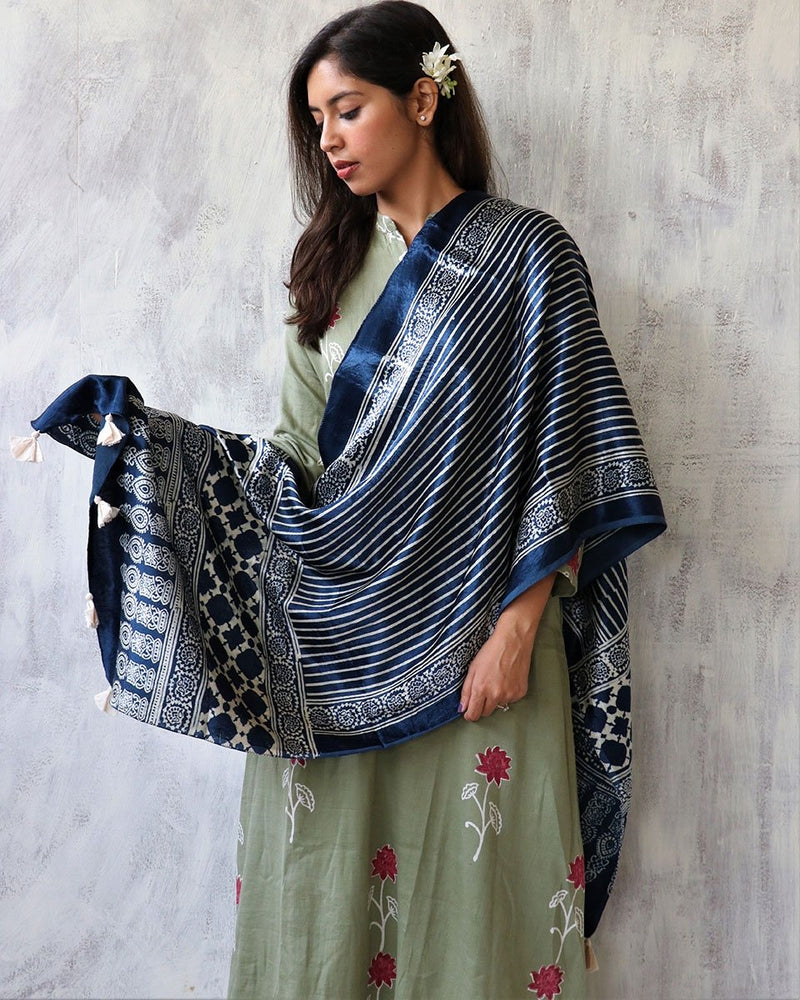BLUE BLOCKPRINTED MASHRU SILK STOLE