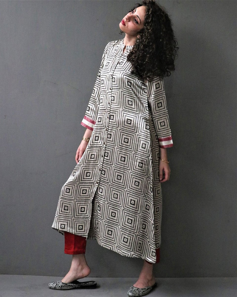CREAM HANDPRINTED MASHRU SILK KURTI