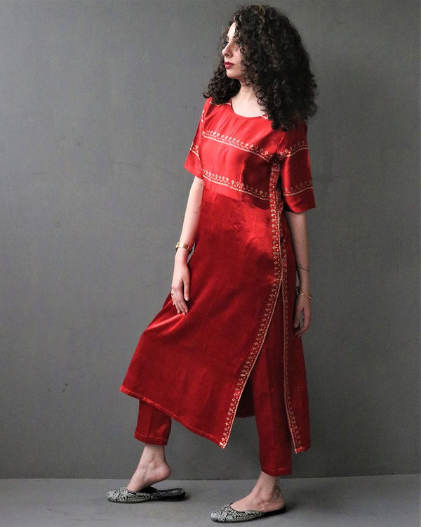 RED HANDPRINTED MASHRU SILK KURTI SET Of TWO