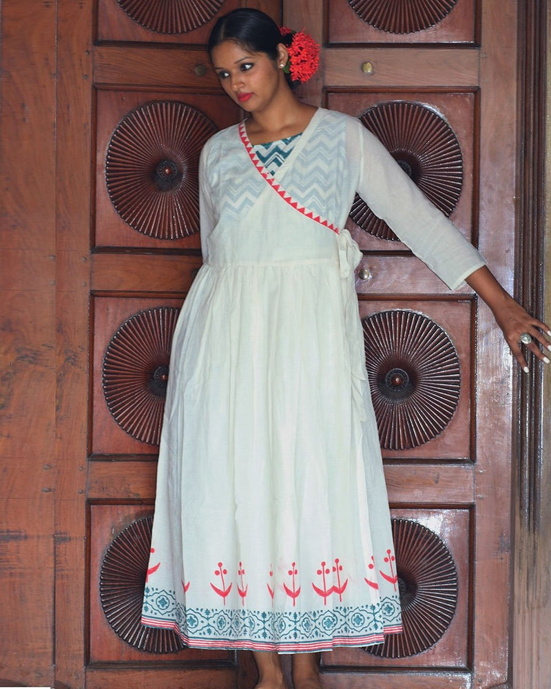 IVORY ANGARAKHA BLOCKPRINTED MULMUL DRESS WITH GREEN SLIP (SET OF 2)