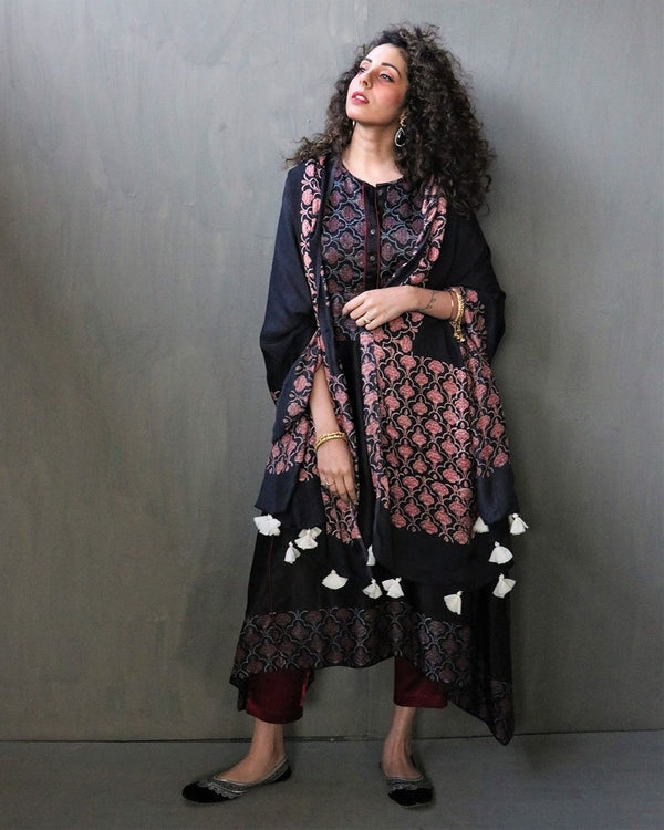 BLACK GULAB BLOCKPRINTED MODAL SILK DUPATTA