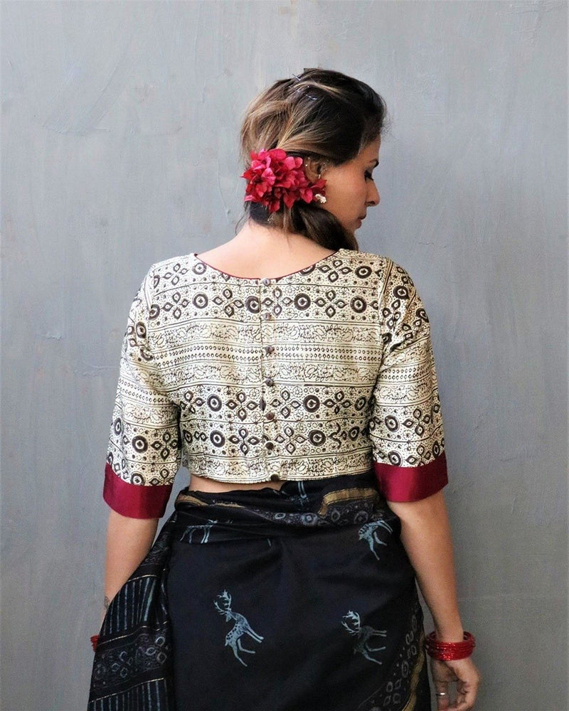 CREAM BLOCKPRINT MASHRU CROP TOP