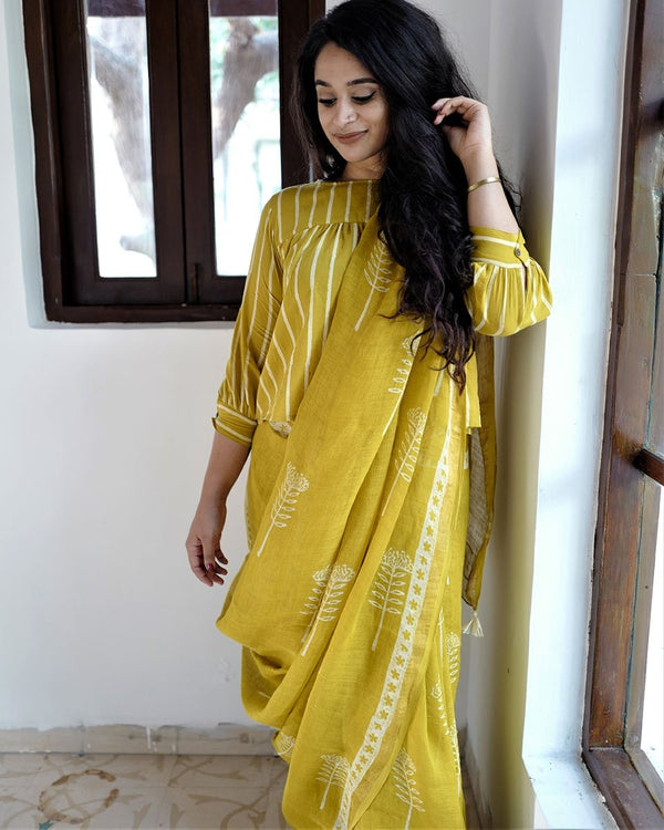 Yellow  Booti Printed Pure Handwoven Linen Saree