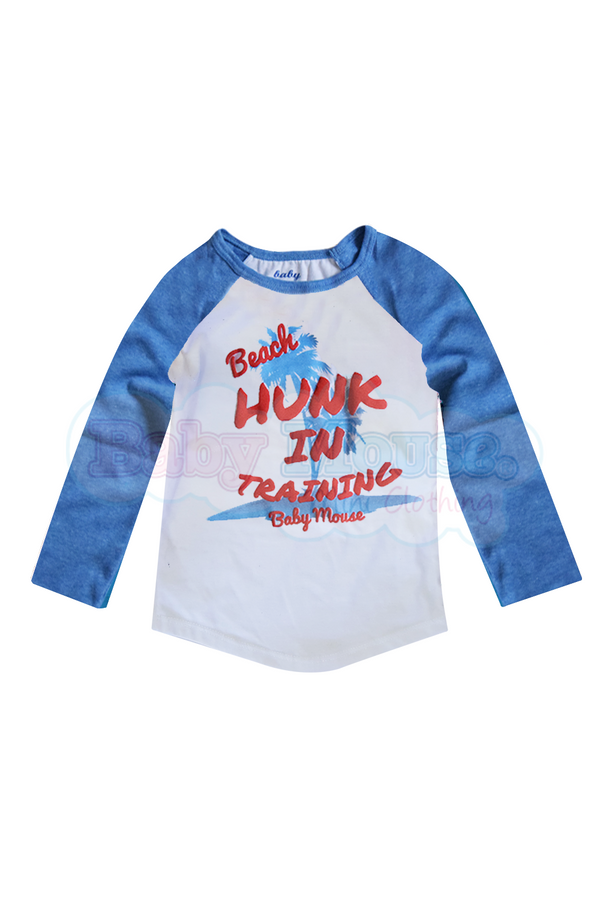 Playera Ranglan Kids. Beach Hunk.