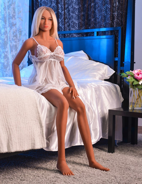 Sex doll in nighty