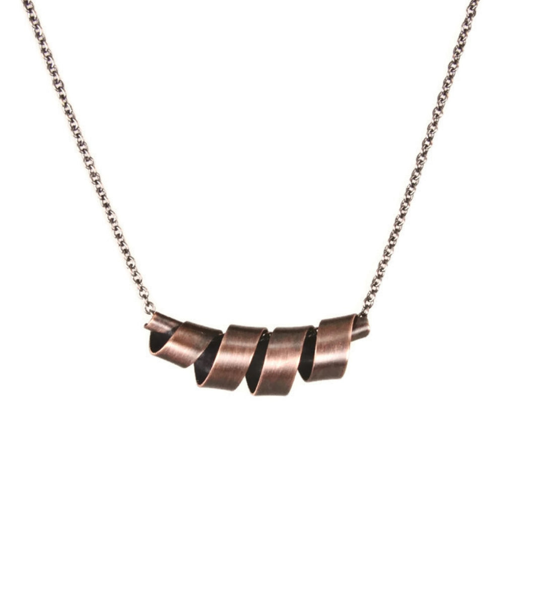 Ribbons Copper Medium Necklace