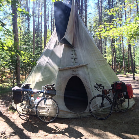 Tee-Pee Camping Quebec Petit Train Du Nord