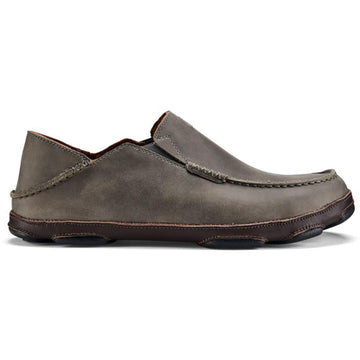 Quarter view Men's Olukai Footwear style name Moloa in color Ash/ Dark Wood. Sku: 10128-AU63