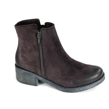 Women's Naot Wander in Brushed Oily Midnight Suede sku: 17609-M04