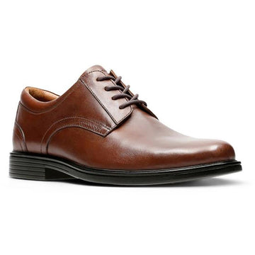 Men's Clarks Unaldric Plain in Dark Tan