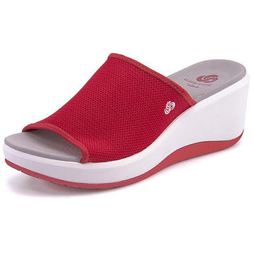 Women's Clarks Step Cali Bay in Red Knit