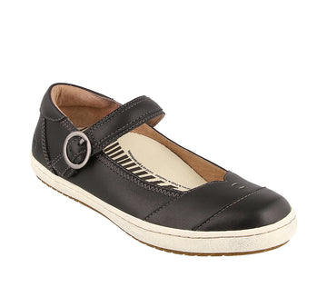 Quarter view Women's Taos Footwear style name Forward in color Black. Sku: FRW-13965ABLK