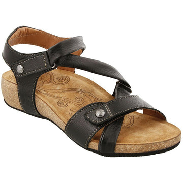 Quarter view Women's Taos Footwear style name Universe Wide in color Black. Sku: UNV-1340BLKW