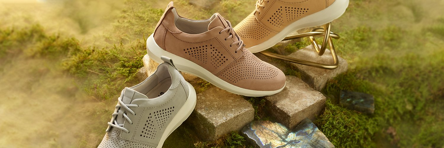Shoes for plantar fasciitis and other foot conditions